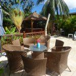 Terrasse et piscine avec votre meublé à la Réunion